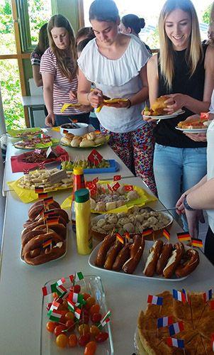 Interkulturelles Fest - Esstisch