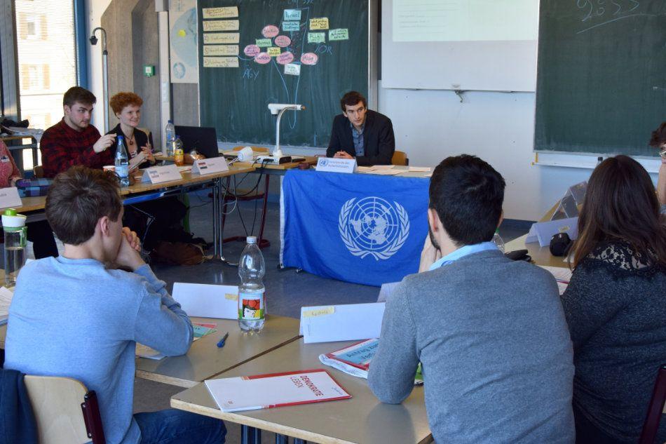Der UNO Sicherheitsrat tagt an der Albert-Schweitzer-Schule