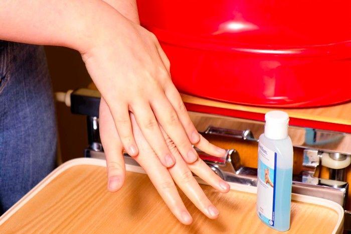 Altenpflegehilfe (1BFAH) - richtiges Händewaschen