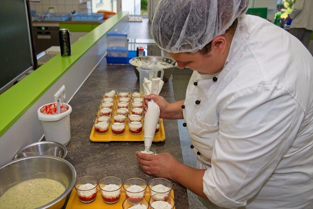 Fachpraktiker Küche/Fachpraktikerin Küche (FPK) - Dessert
