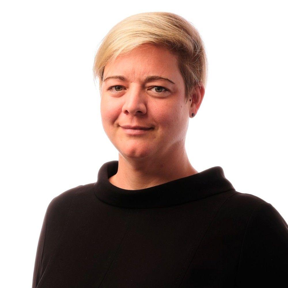 Frau Damés-Deuer